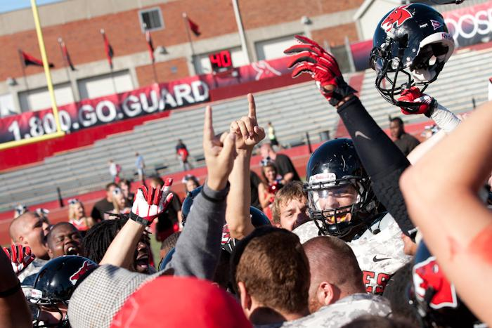 The+Mules+celebrate+their+31-21+win+over+Northwest+Saturday%2C+breaking+a+nine-game+losing+streak+to+the+Bearcats.