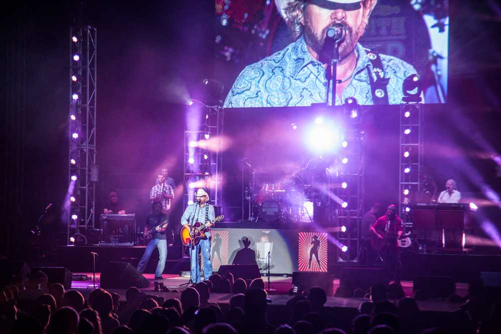 Kelsey+K%2C+Toby+Keith+appeal+to+%26%23039%3Bfun+for+the+entire+family%26%23039%3B