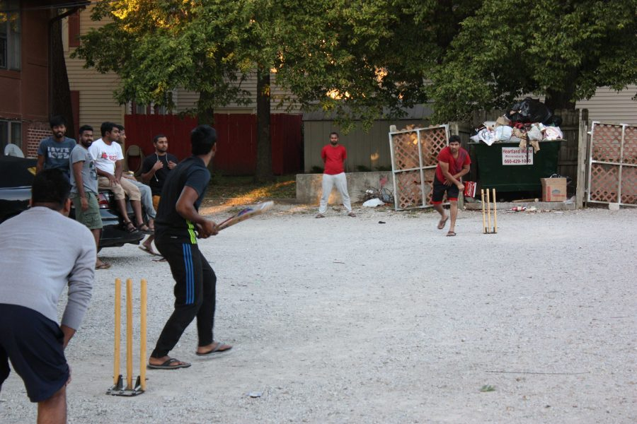 PHOTO+BY+TYRAN+BROOKS+FOR+THE+MULESKINNER%0ASchool+is+back+in+session%2C+and+students+are+setting+up+backyard+cricket+matches+in+parking+lots%2C+driveways+and+cabbage+patches+around+campus.