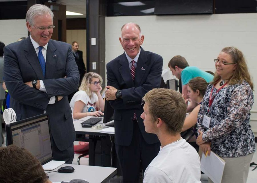 By+BRANDON+BOWMAN%2FPHOTO+EDITOR%0A%28From+left%29+Gov.+Nixon+and+President+Chuck+Ambrose+speak+with+freshman+Jesse+Lynch%2C+conservation+enforcement+major%2C+Tuesday+about+why+he+chose+to+attend+UCM.