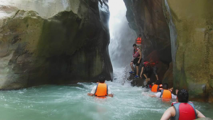 Wadi Mujib is a river that has been flowing for thousands of years, it is the Grand Canyon of the Middle East. Some students on tour hiked, swam, and rock climbed there.