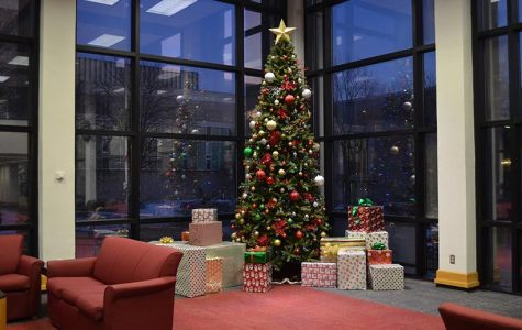 The Elliott Student Union gets festive for the holidays with a Christmas Tree in the southeast corner of the atrium. (Photo by Erica Oliver / Asst. Photo Editor)