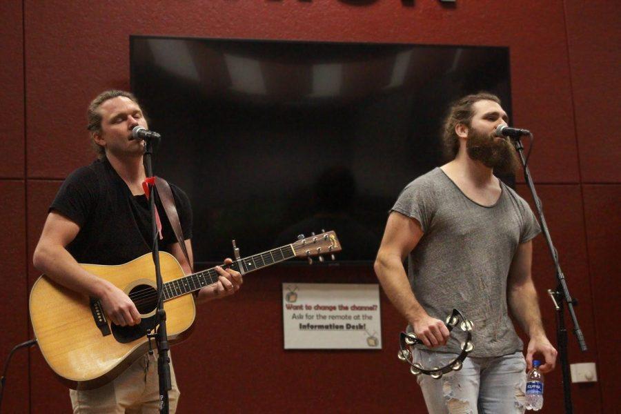 "Spotlight brings new ""Coffeehouse"" music performances to UCM"