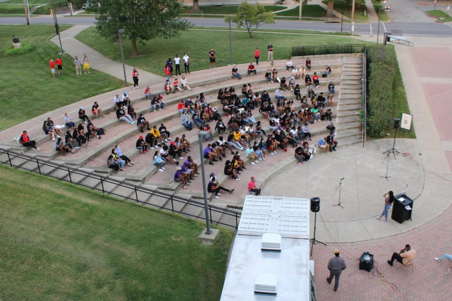 There were about 150 students present at the event with about 15% being white supporter and the other 85% being Black.