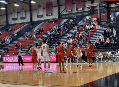 The Mules line up to make the free throw shot against the Hillcats on Jan. 23.