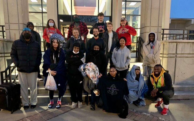 Multiple+students+came+together+to+help+the+Warrensburg+homeless+population.+%22Our+slogan+for+this+week+is+%27homeless+not+hopeless.+Unheard+but+not+unseen.%27%22+Amanda+Dalton+said.+Submitted+Photo